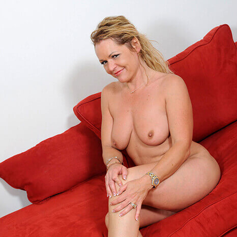 https://reife-frauen-ficken.kostenlospornofilme.com/