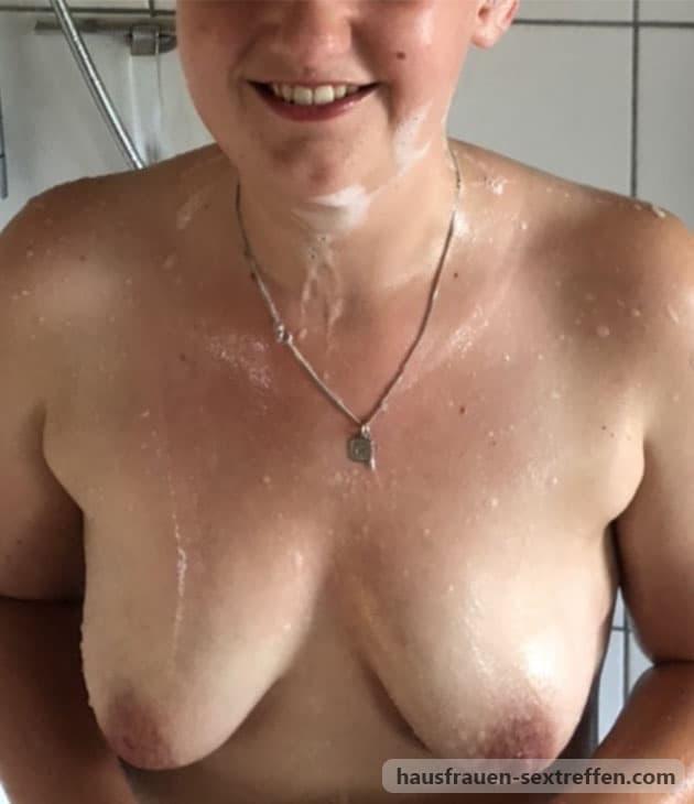 Putzfrau ficken und ihre hässlichen Titten besamen