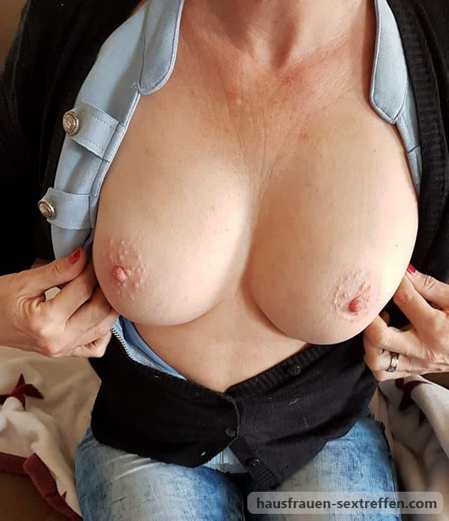Komm an Omas grosse Brüste