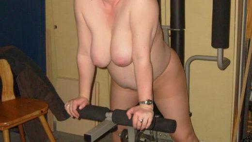 Geile mollige Frau nackt sucht Sextreffen